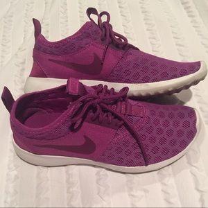 Nike Shoes - Nike Juvenate